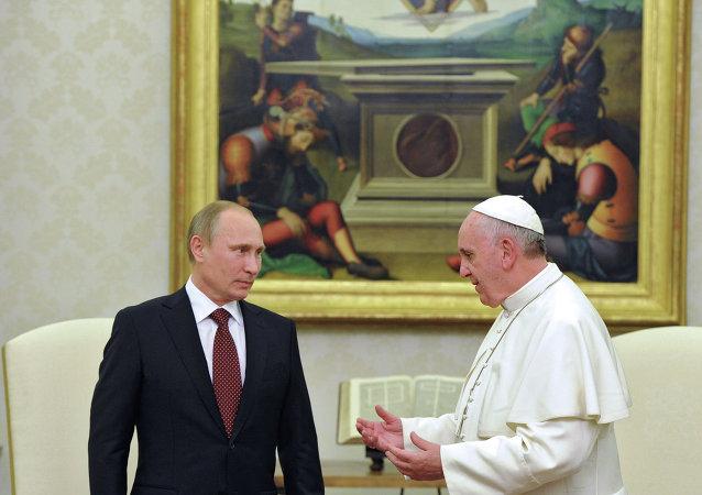 Vladímir Putin, presidente de Rusia, y papa Francisco (archivo)