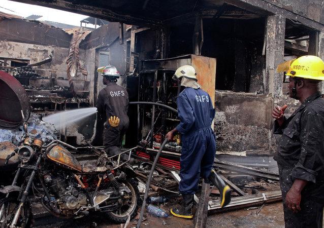 Сonsecuencias de explosión en una gasolinera en la capital de Ghana, Accra