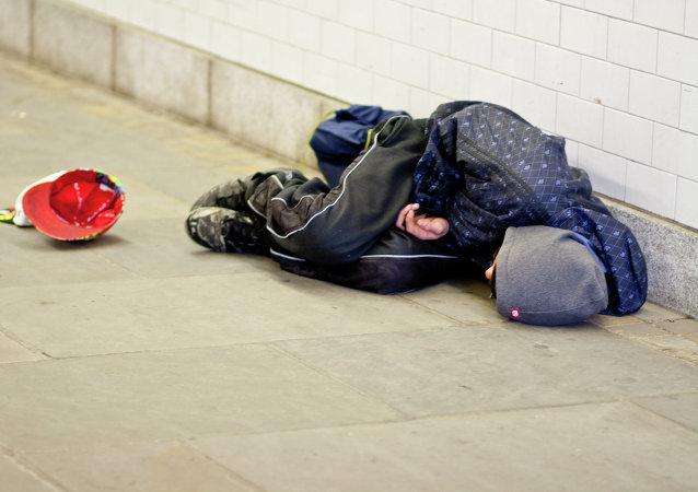 Un barrio de Londres impone multas de 1.400 euros a los 'sin techo'