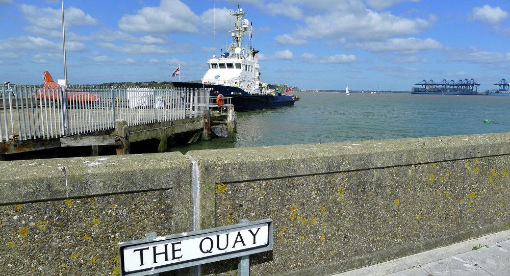 Puerto internacional de mercancías y pasajeros de Harwich