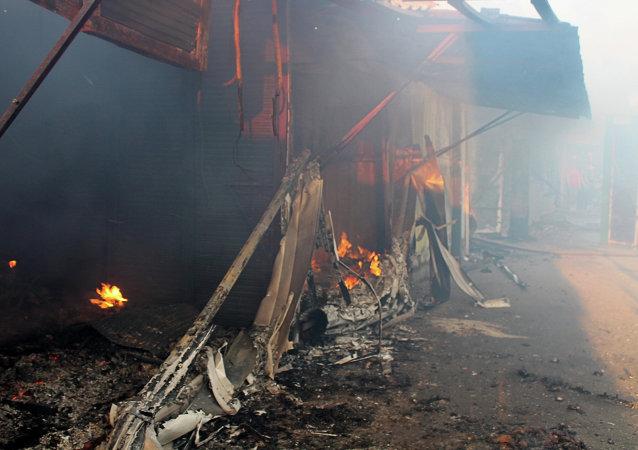 Bombardeos en el poblado de la mina Oktiábrskaia, en Donetsk