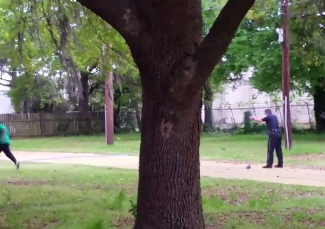 Michael Slager dispara un hombre afroamericano