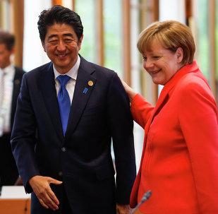 Primer ministro de Japón, Shinzo Abe y canciller de Alemania, Angela Merkel