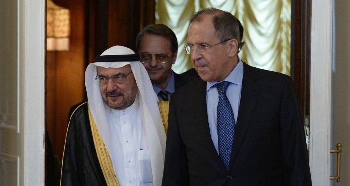 Iyad Amin Madani y Serguéi Lavrov en Moscú