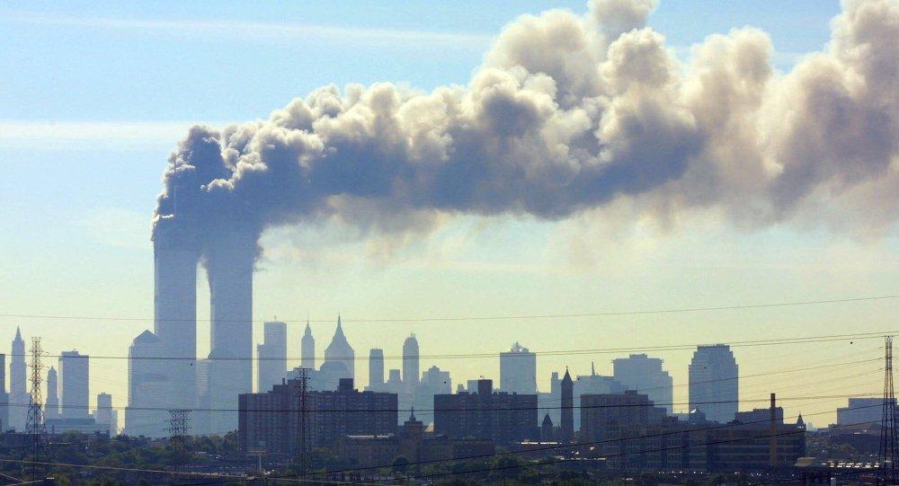 Ataque terrorista contra las Torres Gemelas en Nueva York (archivo)