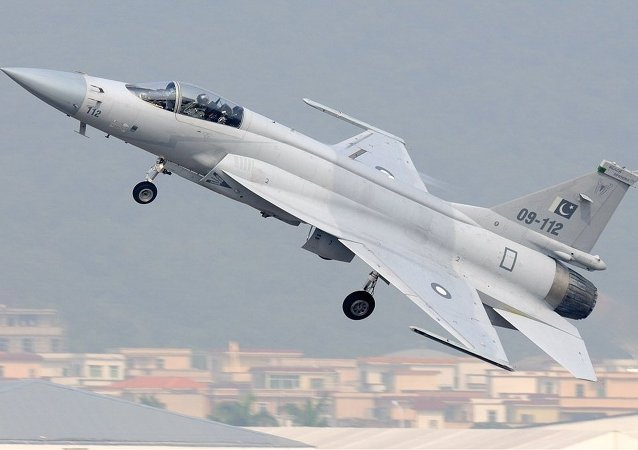 Pakistan Air Force Chengdu JF-17/Pulqui-111