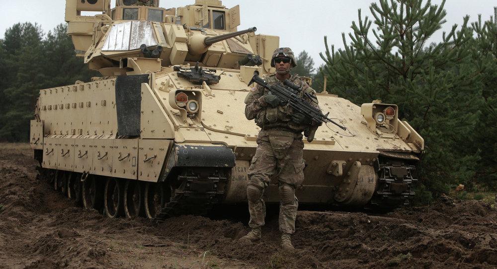 Soldado estadounidense en Letonia