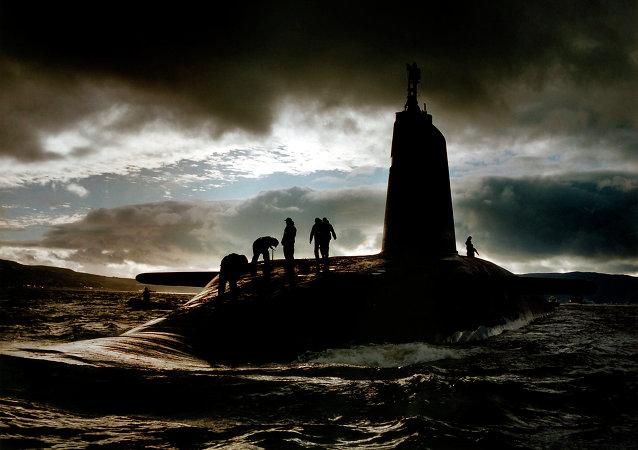 Submarino HMS Victorious, armado con misiles Trident