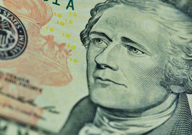Actualmente el billete de diez dólares lleva la imagen del primer ministro de Finanzas de EEUU, Alexander Hamilton