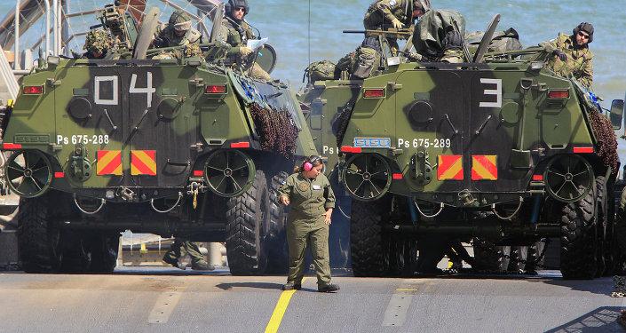 Tropas de la OTAN durante unos ejercicios militares en el Mar Báltico (archivo)