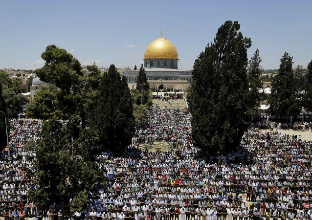 Los palestinos musulmanes celebran el Ramadán con el recuerdo de la guerra de Gaza