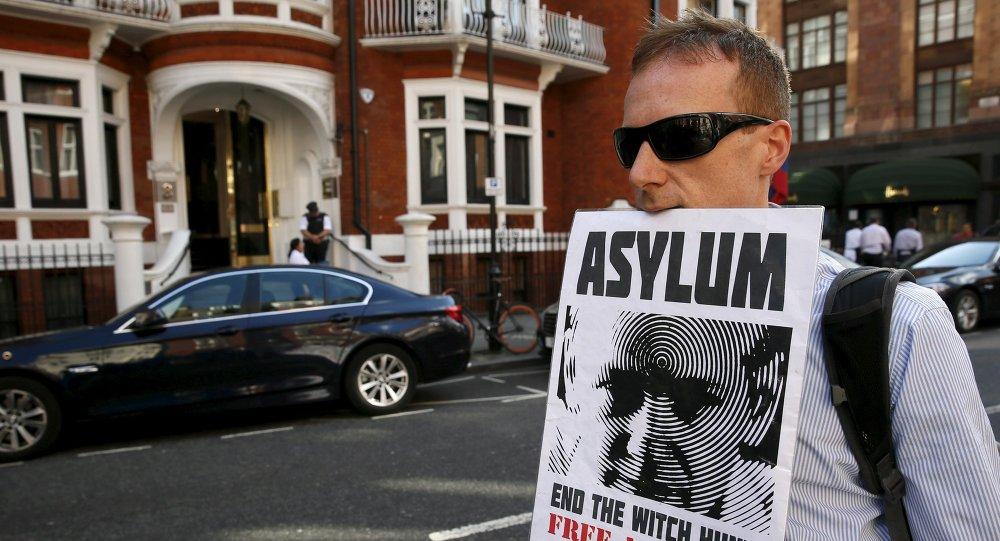 Londres habrá gastado €14 millones en detención de Assange