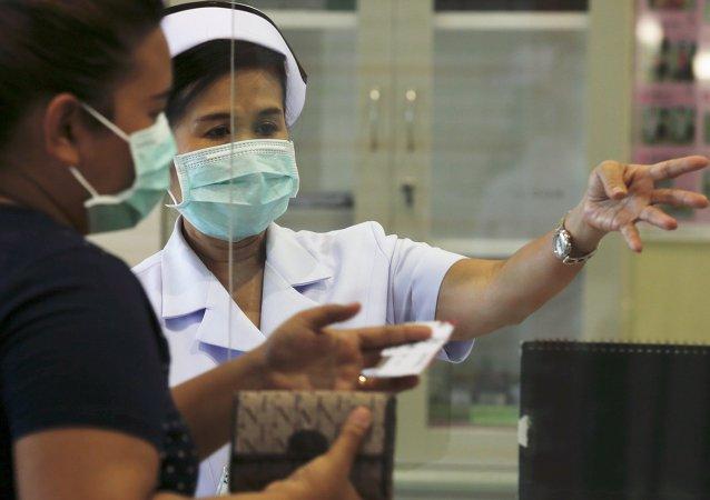 Instituto Bamrasnaradura de Enfermedades Infecciosas en Bangkok, Tailandia, el 19 de junio, 2015