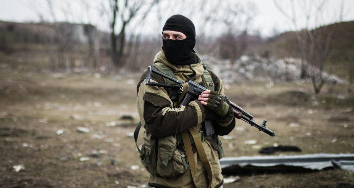 Un miliciano de la República Popular de Donetsk (archivo)