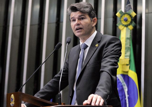 José Antonio Medeiros, senador del Partido Popular Socialista