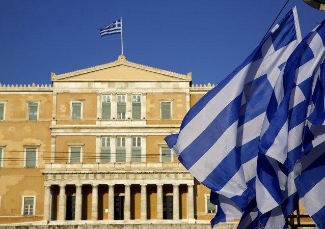 Autoridades de Grecia acusarán de terrorismo a dos británicos detenidos en Alexandroupolis