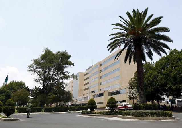 La vista del edificio del Hospital Militar en la Ciudad de México