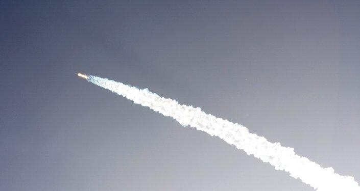 Lanzamiento de un cohete el Cabo Cañaveral en el estado de Florida, EEUU (archivo)