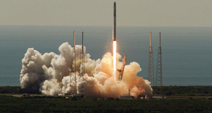 Falcon 9 (archivo)