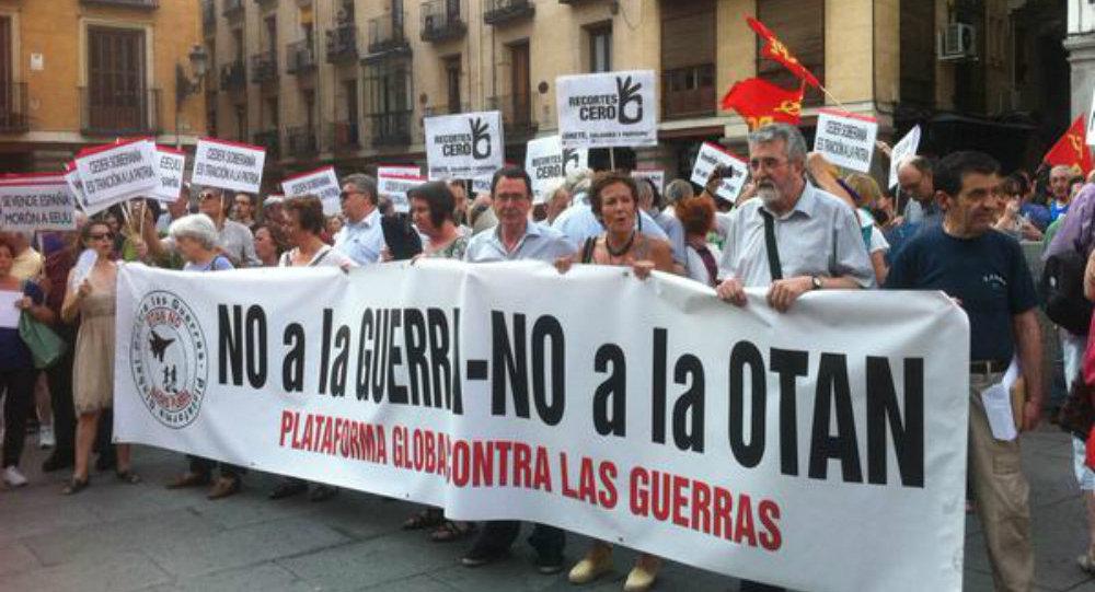 En la concentración contra la reforma que permite aumentar la presencia militar de EEUU en las bases españolas