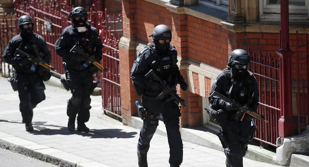 Scotland Yard simula una operación antiterrorista en Londres, el 30 de junio, 2015