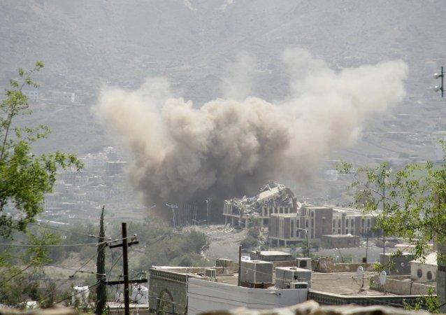Bombardeos de la ciudad de Taiz en Yemen