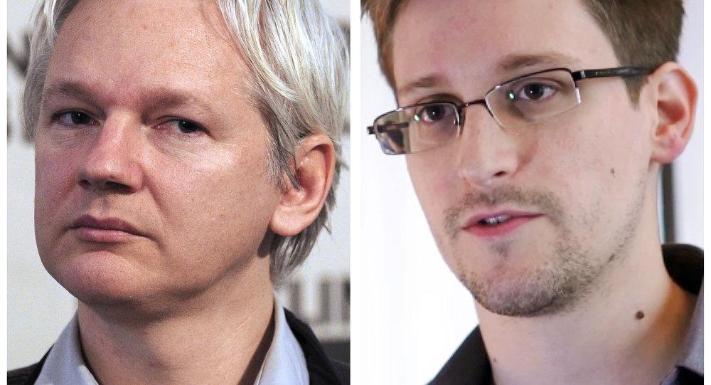 Julian Assange, fundador de WikiLeaks, y Edward Snowden, exempleado de la NSA