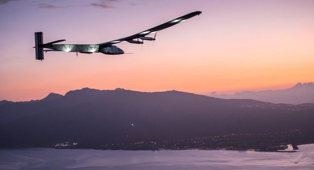 Solar Impulse 2 llega a Hawái marcando récord de vuelo ininterrumpido