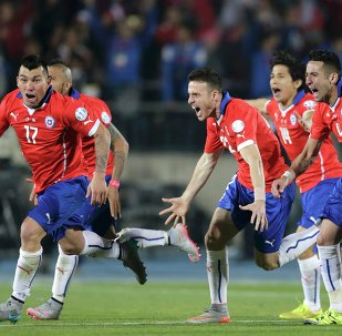 Jugadores de la selección chilena celebran el título de la Copa America 2015