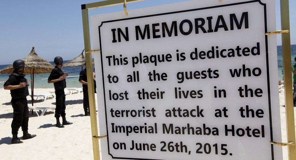Policia tunecina en el lugar del atentado terrorista en el hotel Imperial Marhaba. 3 de julio de 2015