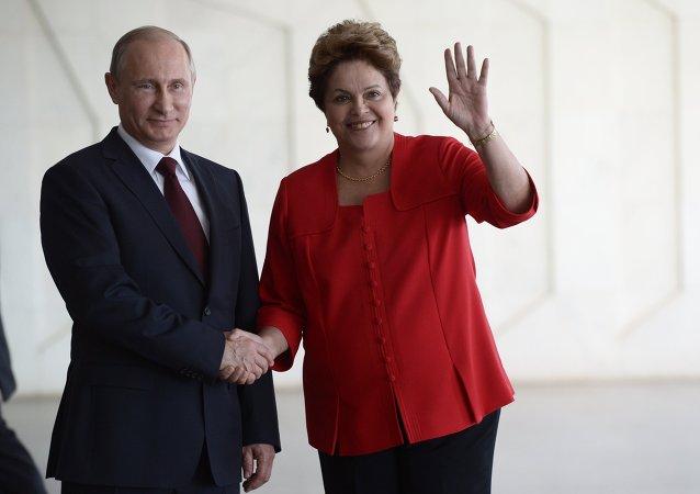 Vladímir Putin, presidente de Rusia, y Dilma Rousseff, presidenta de Brasil (Archivo)