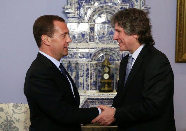 Primer ministro de Rusia, Dmitri Medvédev y vicepresidente de Argentina, el presidente del Senado, Amado Boudou