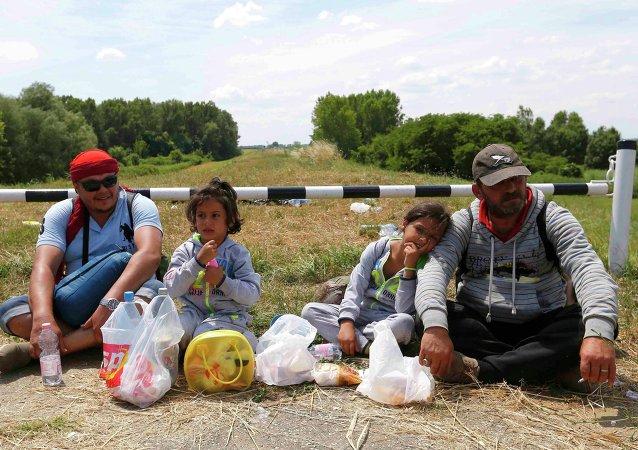 Las guerras de Irak y de Libia provocaron la crisis de migrantes, dice senador