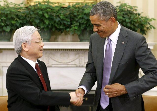 Presidente de EEUU, Barack Obama, y secretario general del Partido Comunista de Vietnam, Nguyen Phu Trong