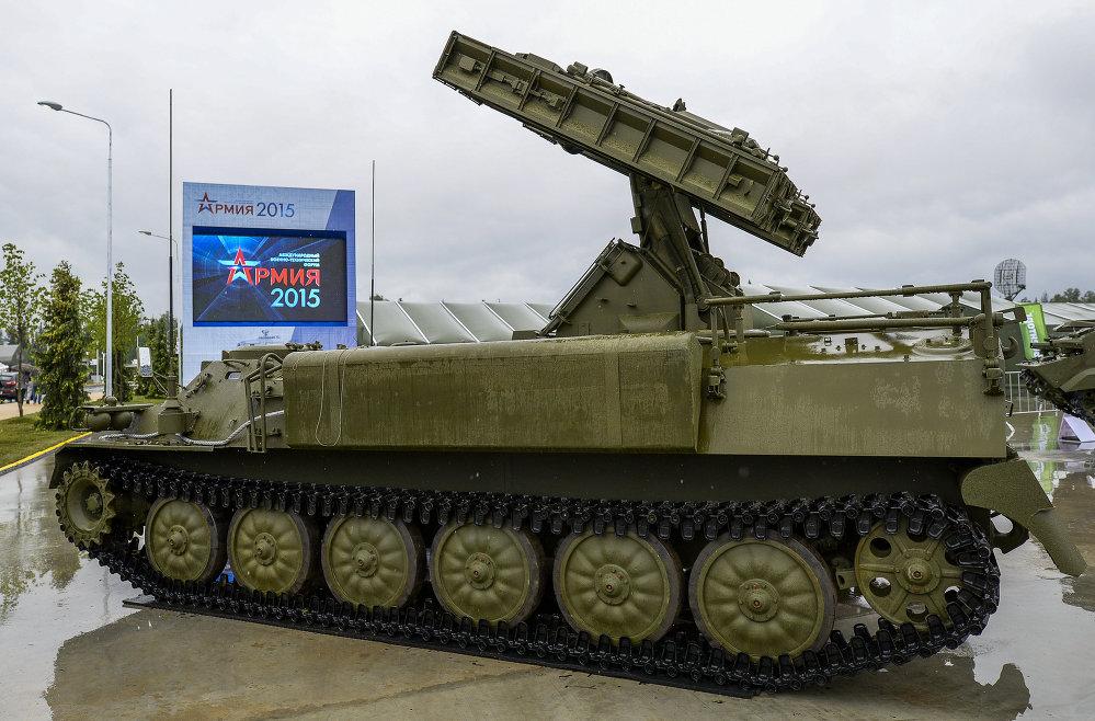 Sistema Strelá-10M4 durante la inauguración del foro técnico-militar internacional Army 2015 en Kúbinka, en afueras de Moscú