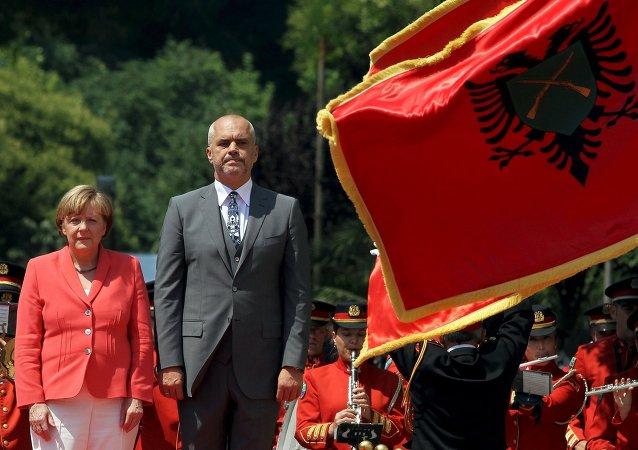 Canciller de Alemania, Angela Merkel y primer ministro de Albania, Edi Rama