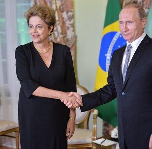 La presidenta de Brasil, Dilma Rousseff, y el presidente de Rusia, Vladímir Putin