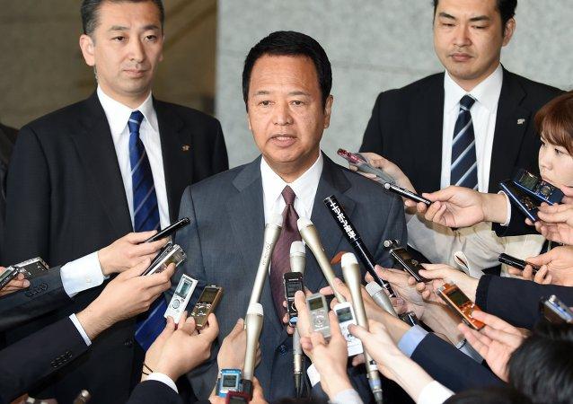 Akira Amari, ministro de Política Económica y Financiera de Japón (archivo)