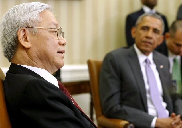 Nguyen Phu Trong, secretario general del Partido Comunista de Vietnam, y Barack Obama, presidente de EEUU, en la Casa Blanca en Washington, el 7 de julio, 2015