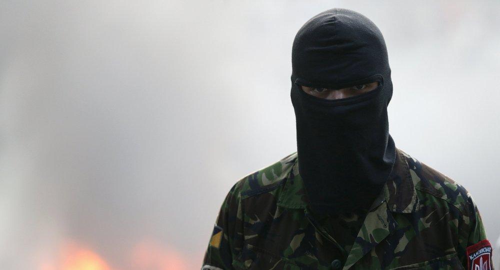 Militante del movimiento Pravy Sektor en Kiev
