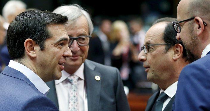Primer ministro de Grecia, Alexis Tsipras,  presidente de la Comisión Europea, Jean-Claude Juncker, presidente de Francia, François Hollande y primer ministro de Bélgica, Charles Miche