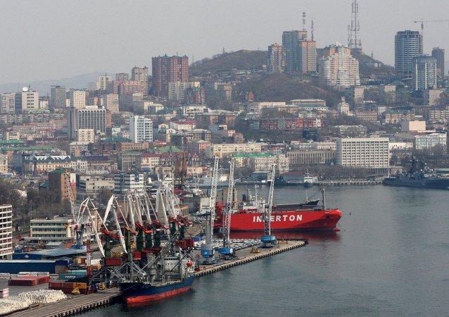 Puerto comercial de Vladivostok