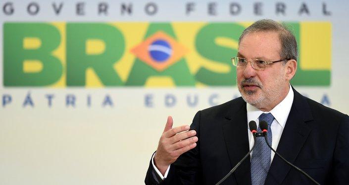 Armando Monteiro Neto, ministro de Comercio e Industria de Brasil