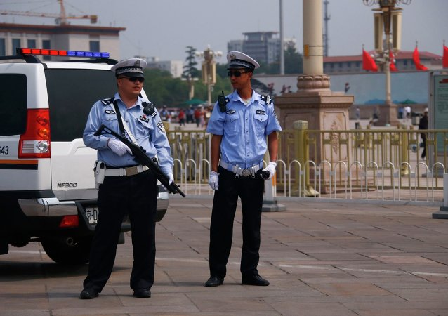 Policías chinos