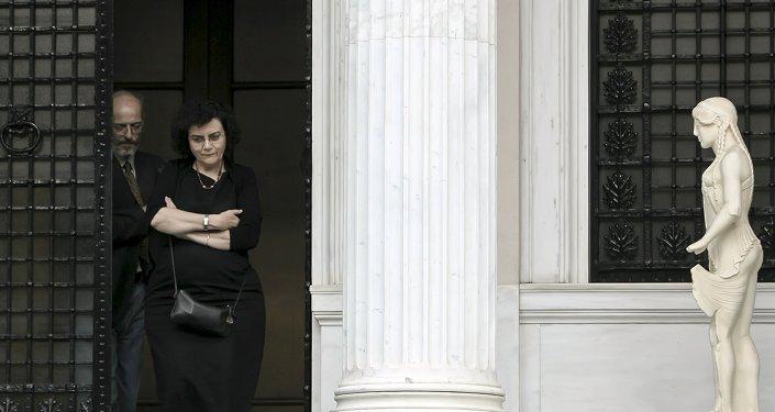 Nadia Valavani, exviceministra de Finanzas de Grecia