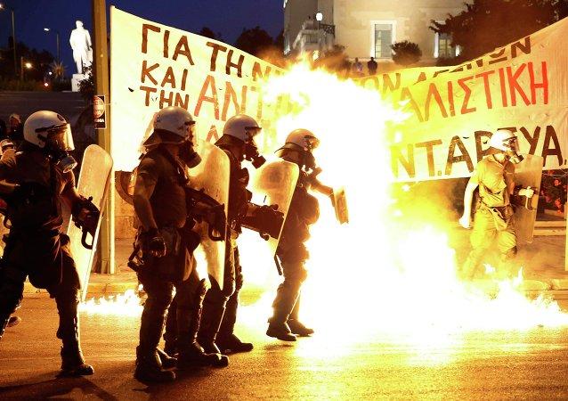 Disturbios en  la Plaza Syntagma, Atenas. 15 de julio de 2015