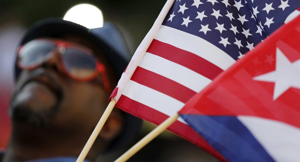 Banderas de EEUU y Cuba (archivo)