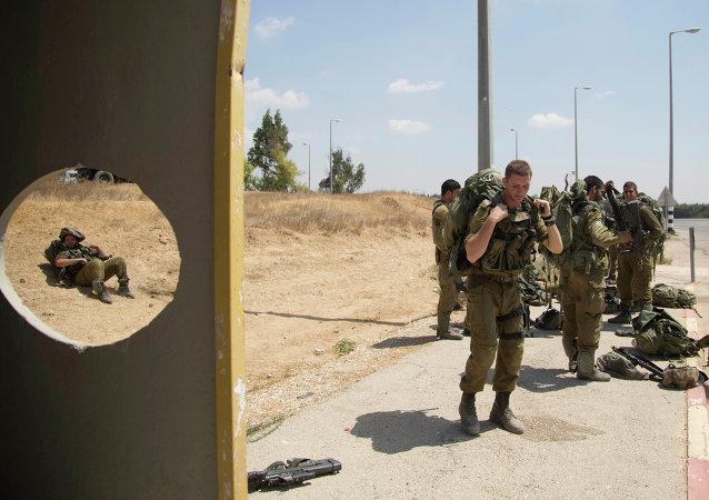 Soldados israelíes cerca la frontera con Sector Gaza (Archivo)