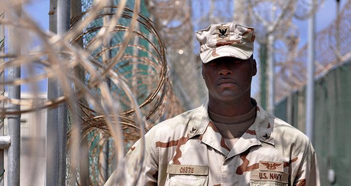 Soldado estadounidense en una base militar