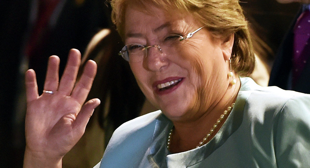 Bachelet promulgó la ley de aborto en tres causales